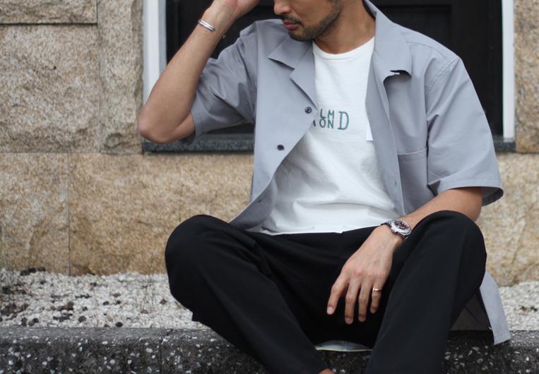オープンカラーシャツ